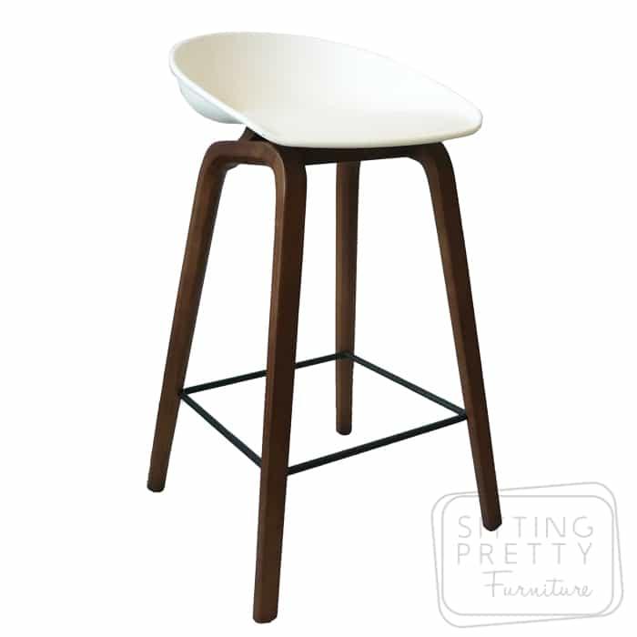 Casa Mia Stool – white seat/walnut leg