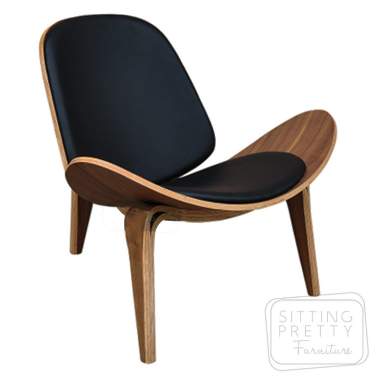 Replica Hans Wegner Shell Chair – Walnut/Black
