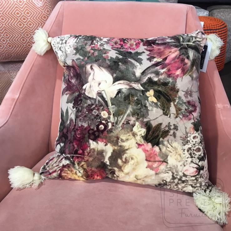 Bouquet Tassle Cushion – 50 x 50cm